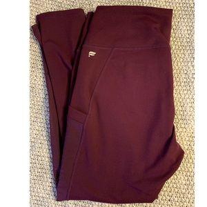 Fabletics Mila Pocket Legging - Capri